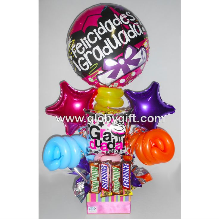 Arreglo con globos de graduación con dulces
