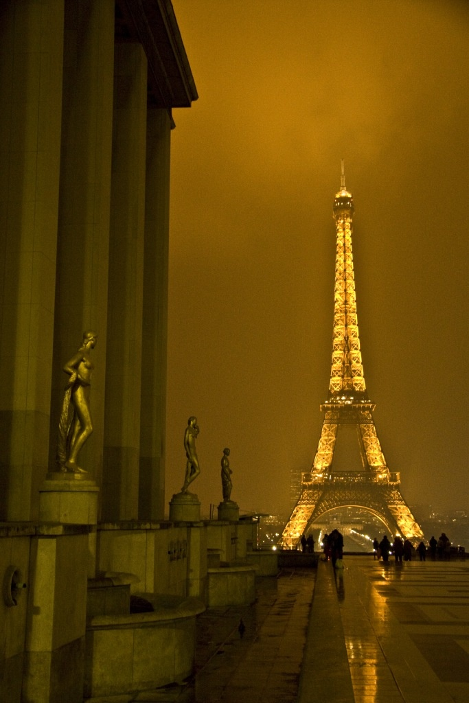 La Tour d'Eiffel, Paris is beautiful and the food is the best!