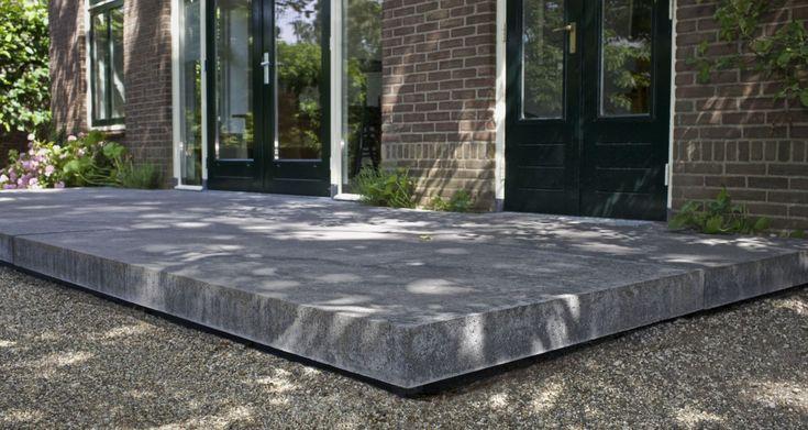 """als op/afstap bij de deuren; """"zwevend"""" betonplaat, maken door mal zo aan te passen"""