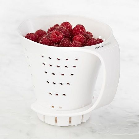 Our measuring colander(TM) received a great review from Coolest Gadgets! http://www.coolest-gadgets.com/20150323/handheld-measuring-colander-tiny-task-tiny-tool/