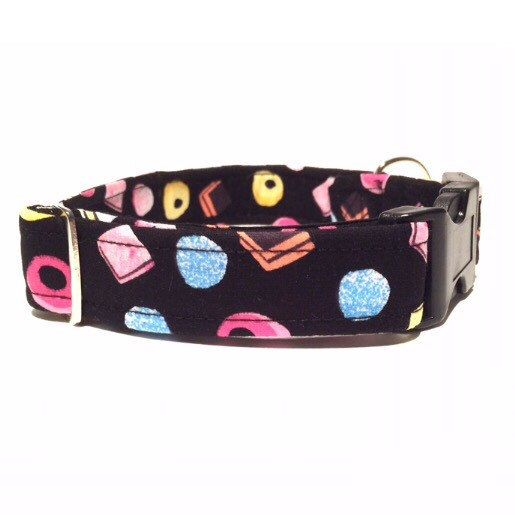 Dolly mixture dog collar - a sweet treat for your pooch to keep them looking on point 👌🙌 https://www.etsy.com/uk/listing/456641596/dog-collar-all-sorts-dolly-mixture