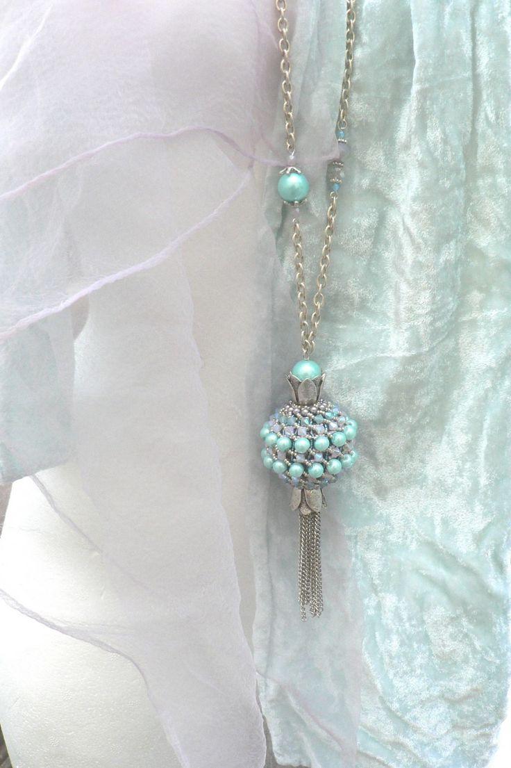BOULIE gros pendentif tissé perles de verre cristal Swarovski en sautoir long chaîne plaqué argent : Collier par cristaldesign