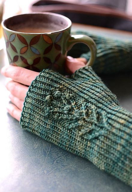 Knitting Stitches Weaving : 75 best images about One-Skein Patterns on Pinterest Fingerless mitts, Rave...