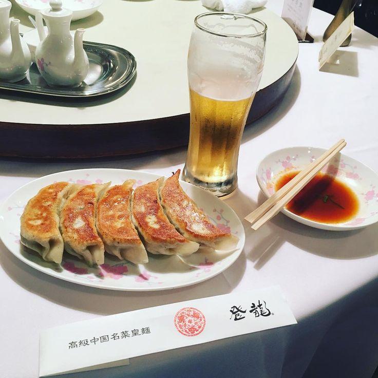 日本全国にはいろんな美味しいお店があります。ですが、あまりに多すぎてどこが美味しいのかわかりませんよね。そこで、彼ほどグルメな人はいない、とも言われているタモリさんが美味しいと大絶賛するお店を7つご紹介します。