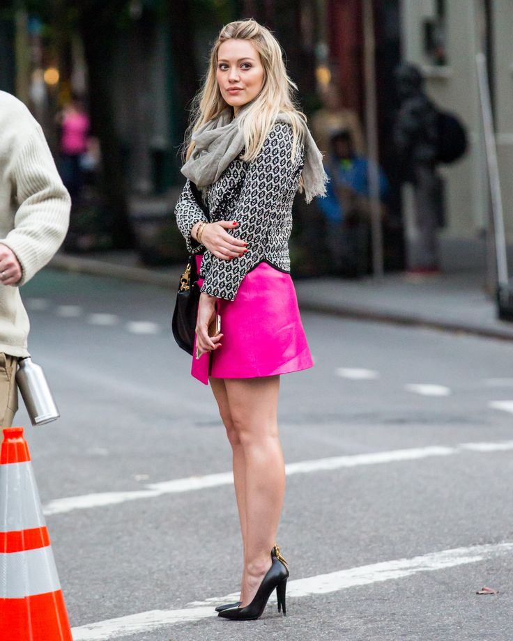Hilary Duff – 2014-10-28 – on set of 'Younger' in New York (no. 1173)