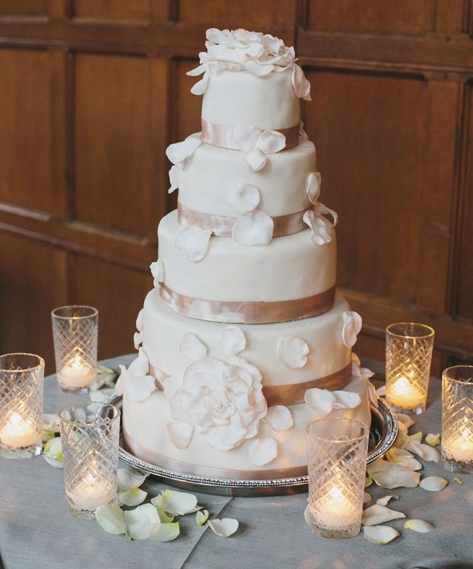 wedding cake for 75 people 30 most luxurious wedding cakes you will 22710