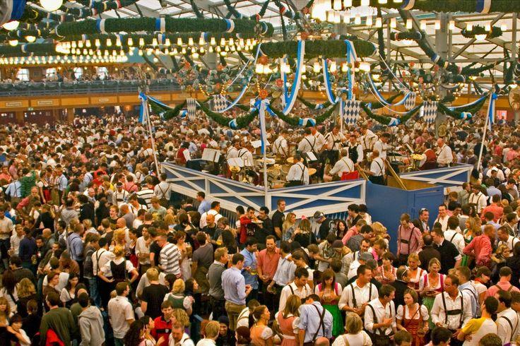 Oktoberfest Für Dummies: A Guide to the Best Bavarian Beerfest