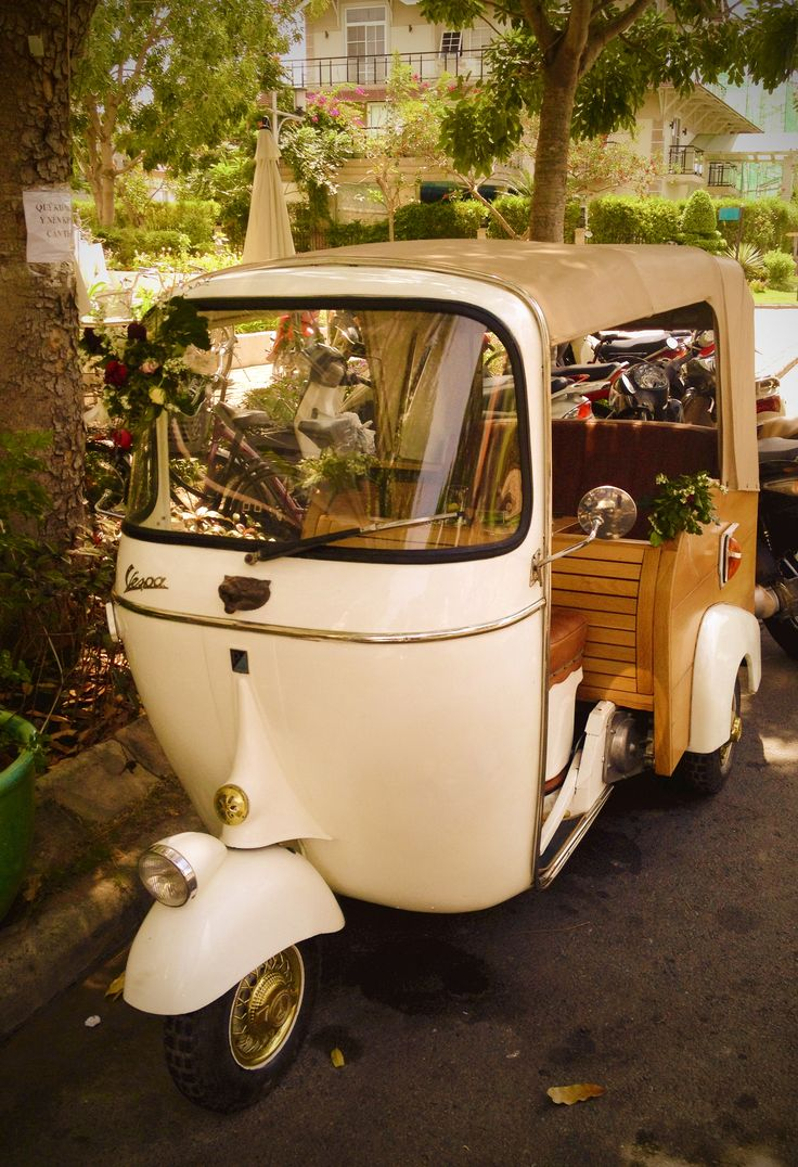 Vespa-o-mobile i want to drive this on campus to spring classes