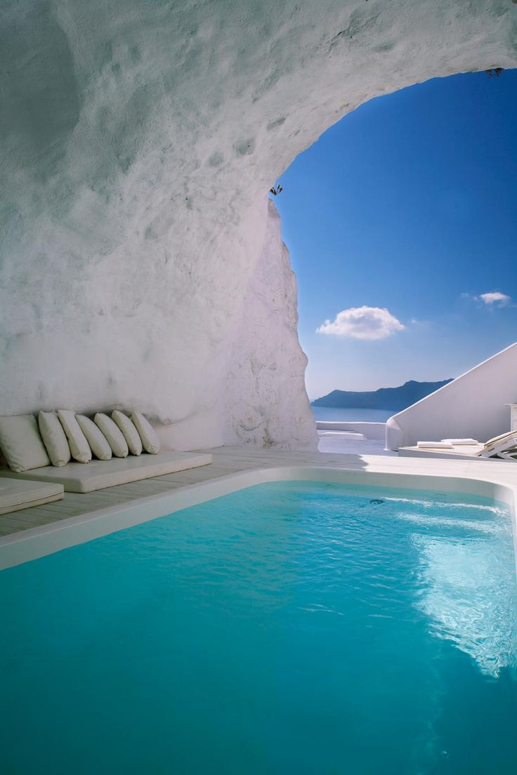 Cave Pool in Oia, Santorini, Greece, Greek Islands, Best Romantic Vacation Destination #bucketlist #travel