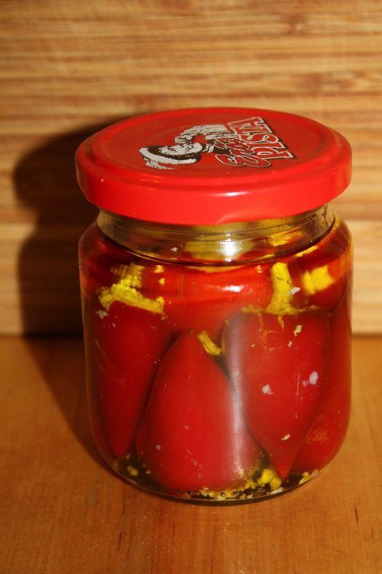 Kecskesajttal töltött paprika olajban - Szem-Szájnak
