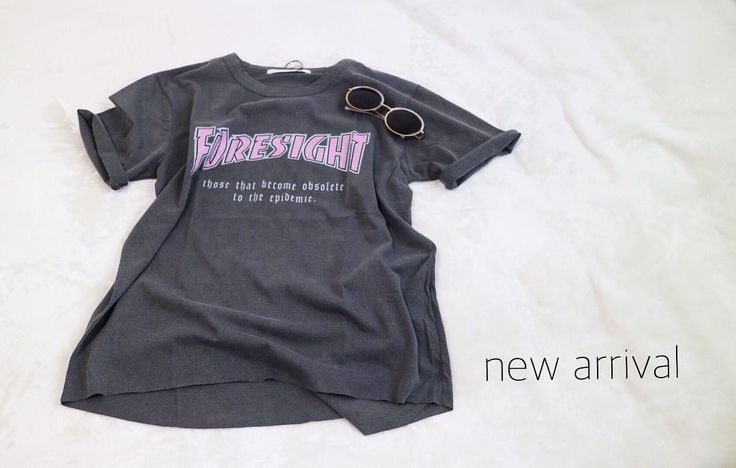 New arrival  ヴィンテージライクなTシャツ ピンクのロゴに デニムはもちろん 今年はレースや花柄 のスカートとコーデしても可愛いここ最近はブラウスがとても人気だけどTシャツはなんだかんだ可愛いのです  Unsourire SELECT BRAND LOGO T-shirt size/M color/グレーのみ 5900tax  #chignonstar #2017ss #newbrand #newarrival #fashion #lovefashion #tシャツ #tshirt #logot #新作 #春物 #ファッション #spring #springcollection #今日の服 #アラサーファッション #アラフォーファッション #セレクトショップアンスリール #セレクトショップunsourire #セレクトショップ大阪 #吹田市 #吹田市セレクトショップ #吹田市関大前セレクトショップ #吹田市関大前駅セレクトショップ #内装工事中 #もうすぐリニューアルオープン
