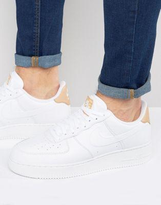 Белые кроссовки Nike Air Force 1 LV8 718152-108