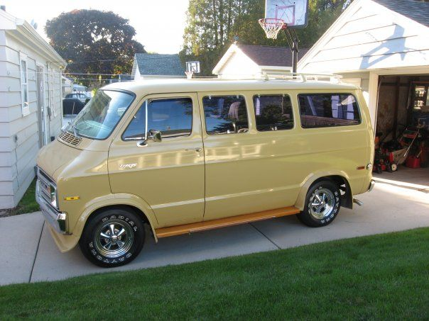 I M Not A Typical Window Guy But This Van Is Nice 1977