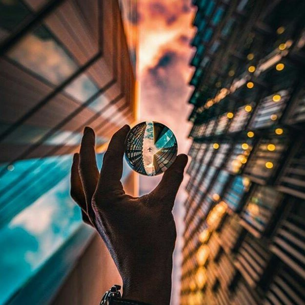 So incredibly clean!! ✈🔮😍 Check out the creator @luke_jclark - his work is truly great!🔥 #lensball