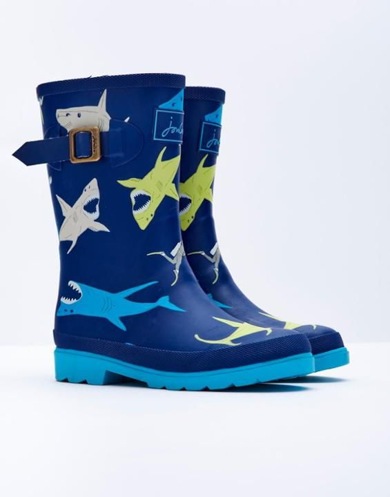 JNRBOYSWELLYPrinted Wellies - my son would love these beauties!