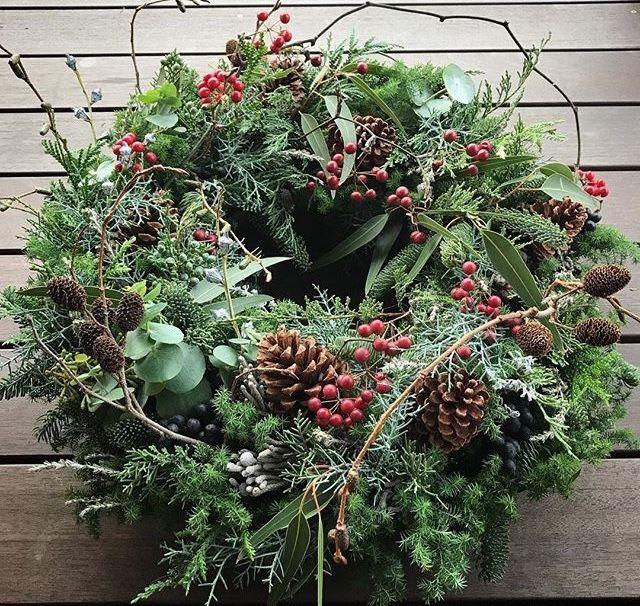 Weihnachtskranz aus natürlichen Materialien – #au…