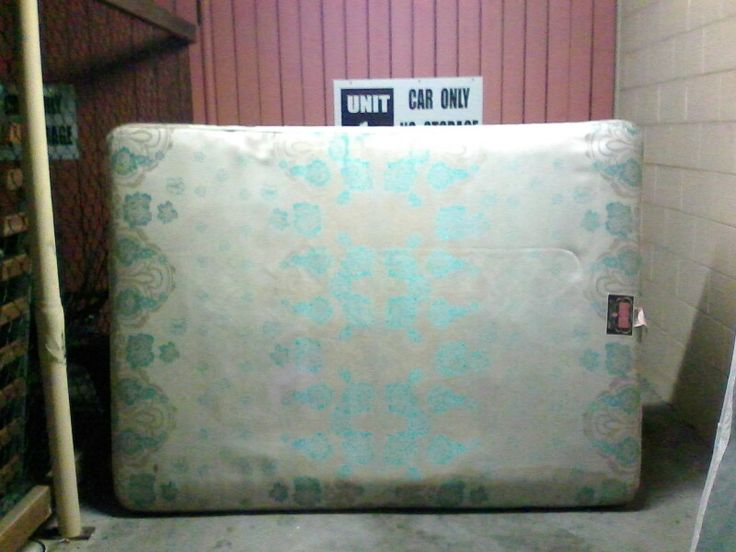 Dble bed base good condition $30 ono.