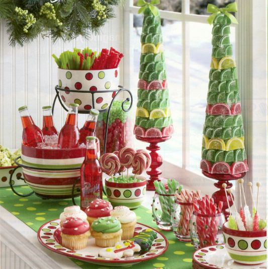 Festive Christmas table ~ instructions to make your own.../: Holiday, Buffet, Candy Table, Christmas Tables, Party Ideas, Christmas Party, Candy Topiary