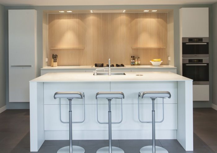 Moderne keuken in U-vorm, schitterende moderne op maat keuken