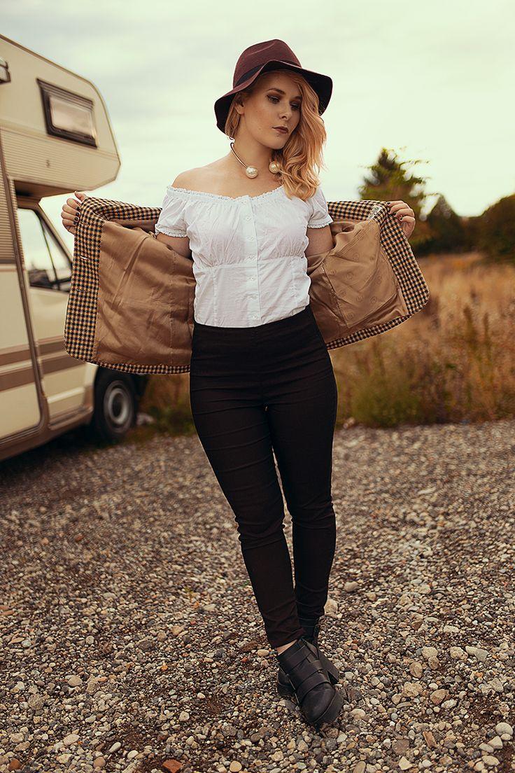 Carmen Top, Weiß, Spitze, Romantisch, Stil, Outfit,