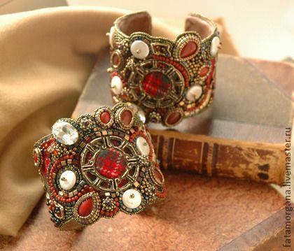 Парные браслеты `Old Scotland`. Яркие фактурные браслеты