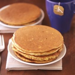 Banana Oatmeal Protein Pancakes - A power breakfast for athletes (and couch potatoes)