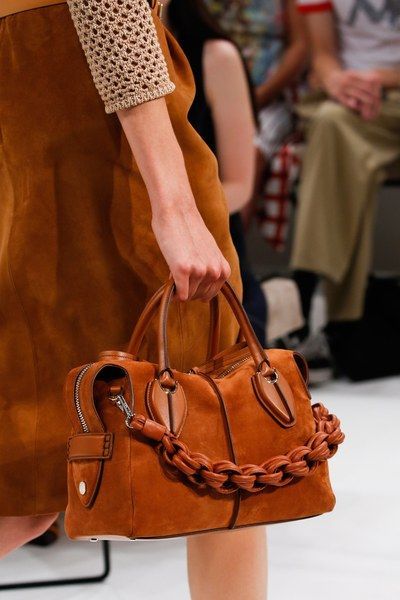 6b3deb97d61 The complete Tod's Spring 2019 Ready-to-Wear fashion show now on Vogue  Runway.