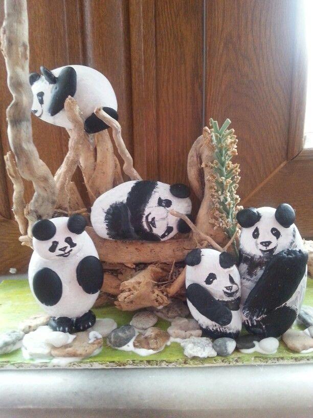 Taş boyama panda