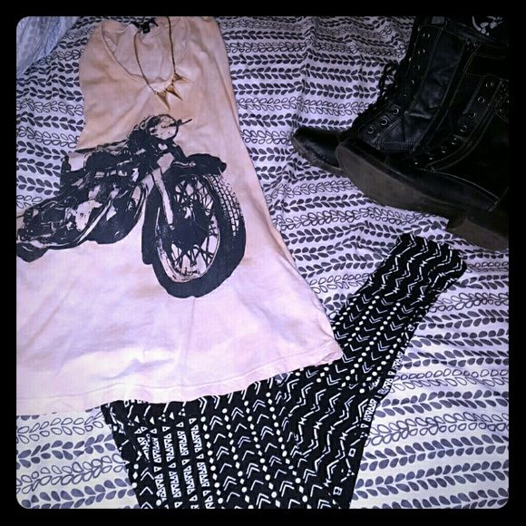 Tribal Print Leggings Tribal Print. Washed once, never worn. Too small. Tag says large but I say they fit like a small. Offers welcome. 30% bundle discount. Pants Leggings