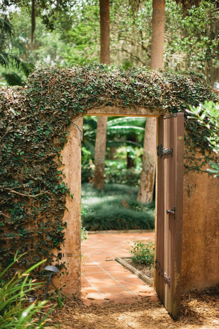 Bok Tower Garden is a gorgeous historic venue in Lake Whales, perfect for a garden wedding