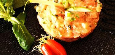 restaurant Bourg-en-Bresse, spécialités régionales, ( grenouilles, poulet de Bresse, vue  exceptionnelle, terrasse), Végétarien, menu Saint-Valentin
