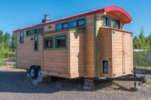 Man Builds Mobile Tiny Cottage with Front Porch