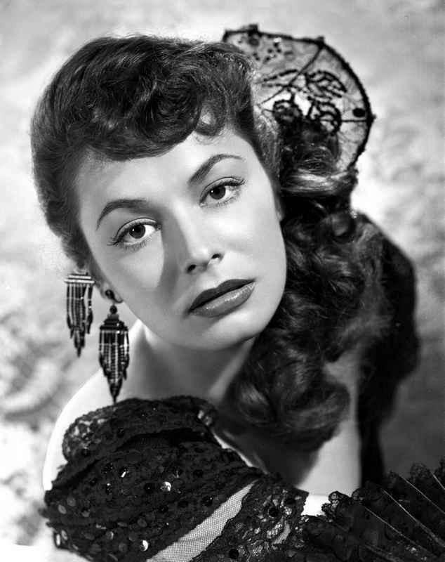 Ruth Roman wearing Black Gown with Huge Earrings High Quality Photo – Movie Star News