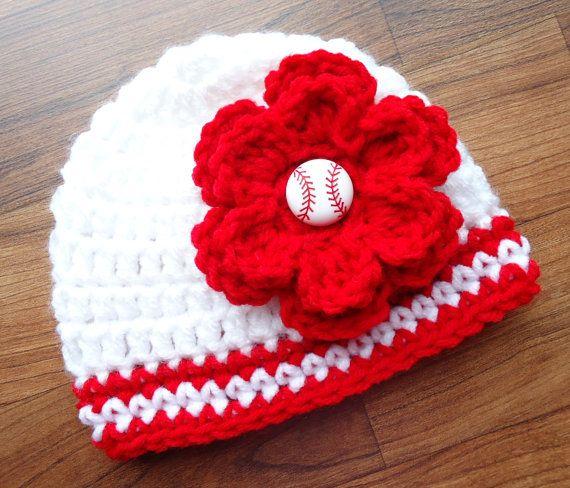 Bonneterie bébé fille chapeau avec fleur par KaraAndMollysKids, $17.50