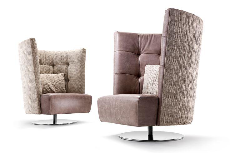 Ohrensessel modern  Der moderne Ohrensessel Lola von Signet. The modern wing chair ...