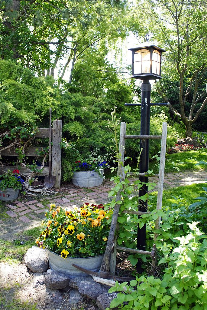 Garden Tour 2011 - #2   Flickr - Photo Sharing!