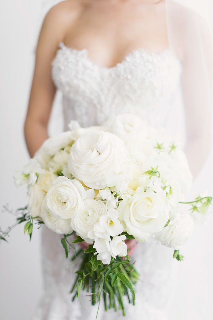 Chic all white wedding bouquet