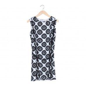White and Black Floral Sleveless Midi Dress