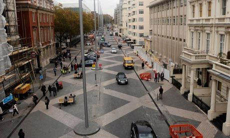 London's new Shared Space street - Exhibition Road - no pavements but actually more #walkable