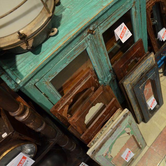 meuble peint miroir bois patine vintage indien Rickshaw boutique paris passage du grand cerf