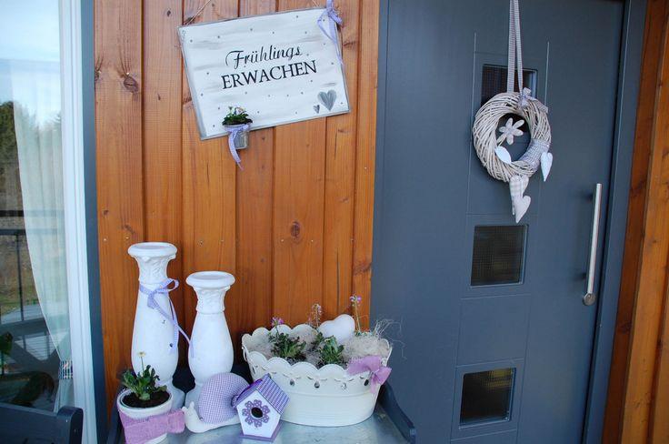 Hauseingang eingangsbereich dekoration fr hling gefunden auf drau en - Dekoration eingangsbereich ...