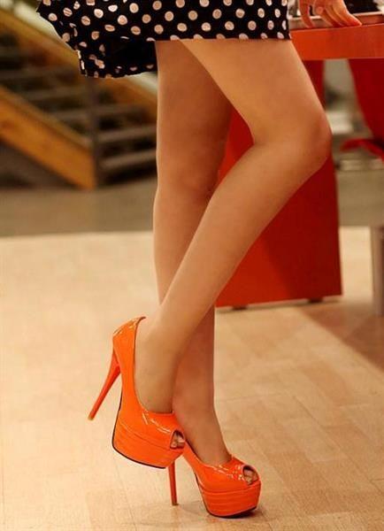 Обувь оранжевы