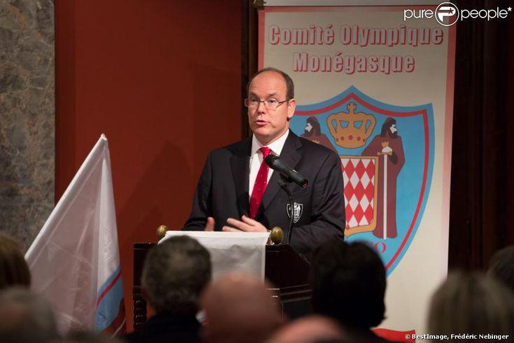 Le prince Albert II de Monaco lors de la présentation des six athlètes de la délégation monégasque pour les JO d'hiver de Sotchi, le 29 janvier 2014.