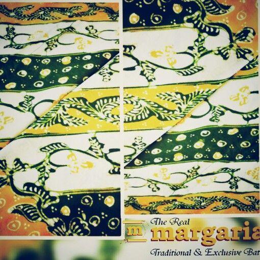 Kain katun motif lasem. With bright and happy color. Find it @realmargariabatik #lasem #batikindonesia #batik #yellowgreen #beautifull #shopping