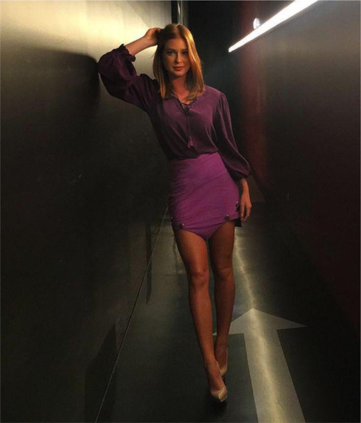 Marina Ruy Barbosa saia blusa roxa