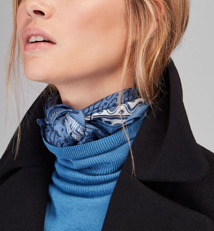 GEOMETRIC PRINT SILK FOULARD - Scarves - Accessories - WOMEN - Slovenia - Massimo Dutti