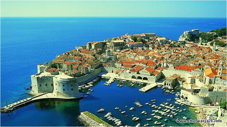 Nie bez powodu Dubrovnik nazywany jest perłą Adriatyku. Miasto odwiedza corocznie kilkaset tysięcy turystów z całego świata. #chorwacja #dubrovnik #croatia http://www.chorwacja24.info/poludniowa-dalmacja/dubrovnik