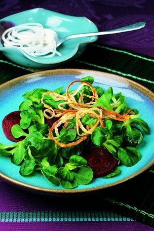 Anneaux d'oignon rôtis à la mâche Livre : Larousse de la cuisine saine et gourmande