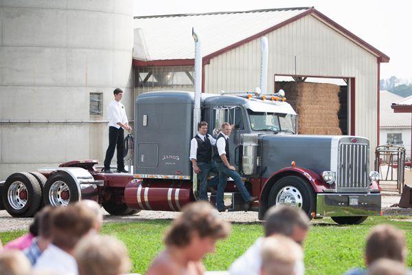 featured+Pennsylvania+farm+wedding+|+KELLY+++KYLE