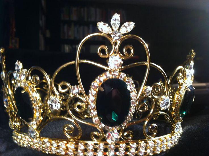 Queen Margaret of Scotland & the Isles emerald crown.